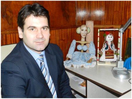 Мирослав ПЕТІЙ: «Звання «академічного» не далося театру ляльок просто так»